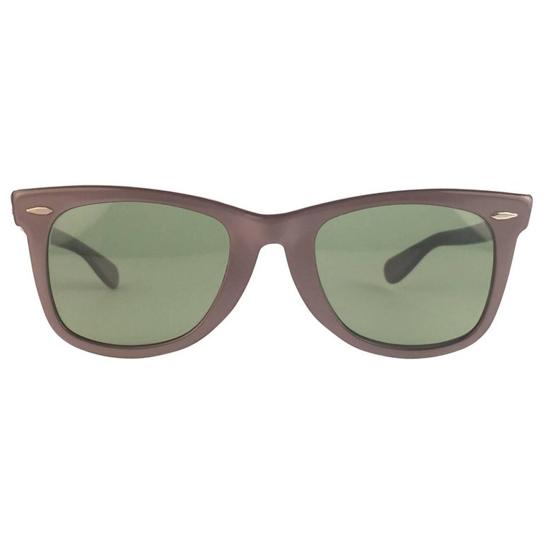 63f180dbb8a00 The first and super Rare 1960 s Wayfarer in grey with thinner and elongated  temples . Bausch