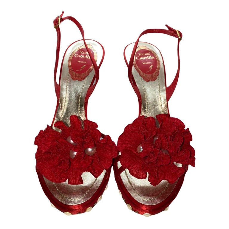 NEW René Caovilla Floral Flower High Heel Sandals with Faux Pearl Trimmings  In New Condition For Sale In Switzerland, CH