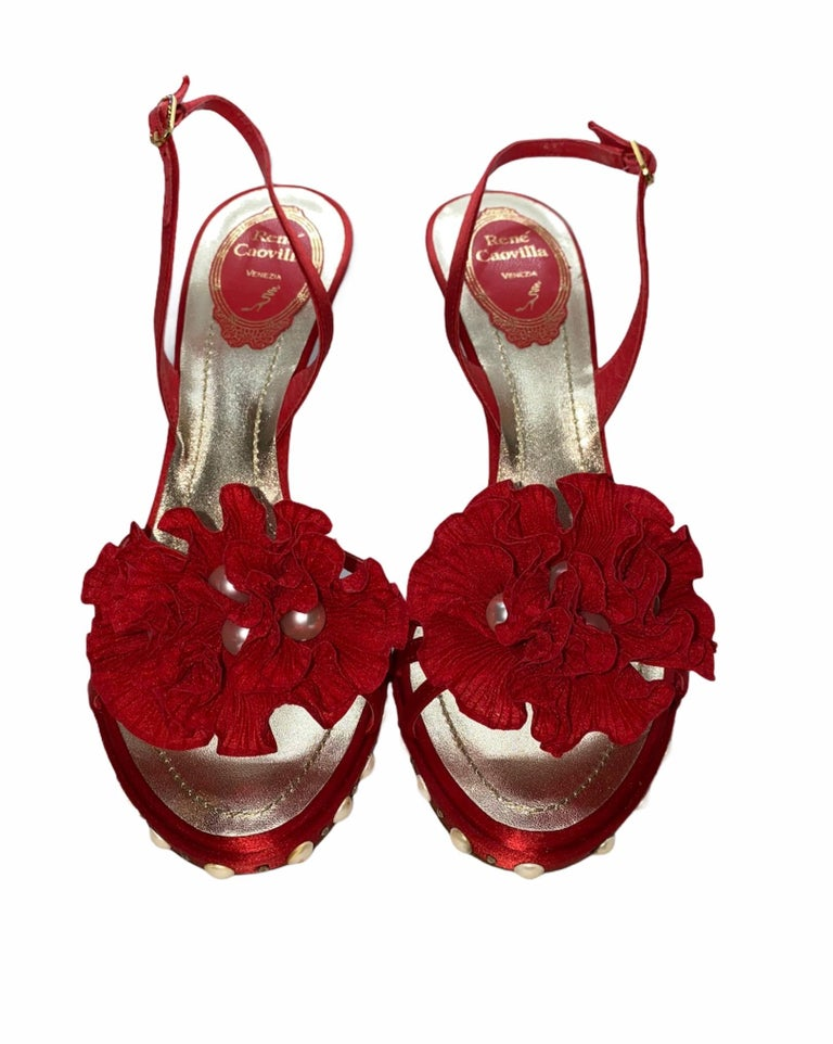 NEW René Caovilla Floral Flower High Heel Sandals with Faux Pearl Trimmings  For Sale 3