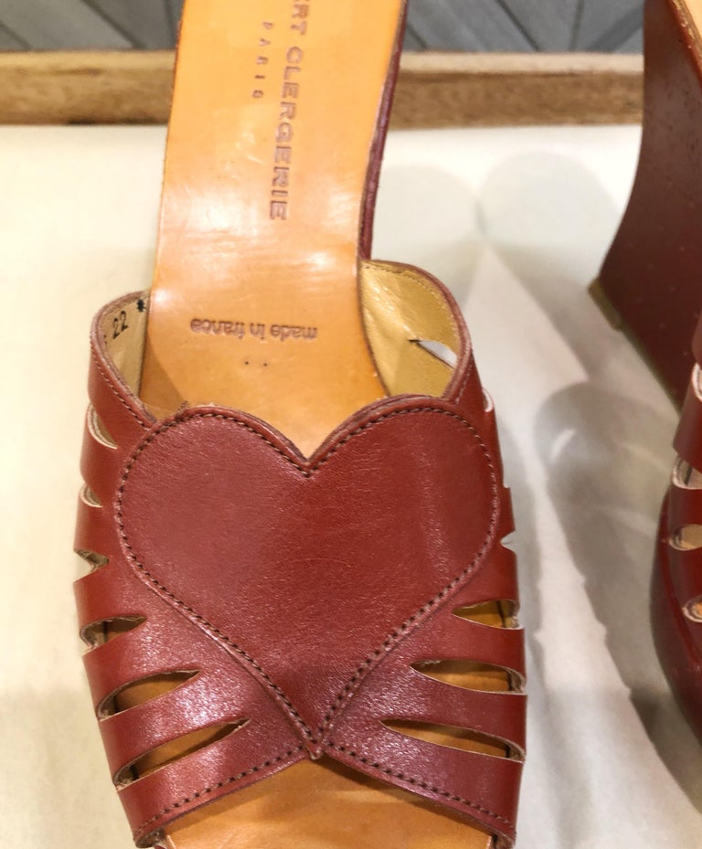 New Robert Clergerie Size 6.5 1990s Cordovan Red Brown Heart Slides Wedges Shoes For Sale 2