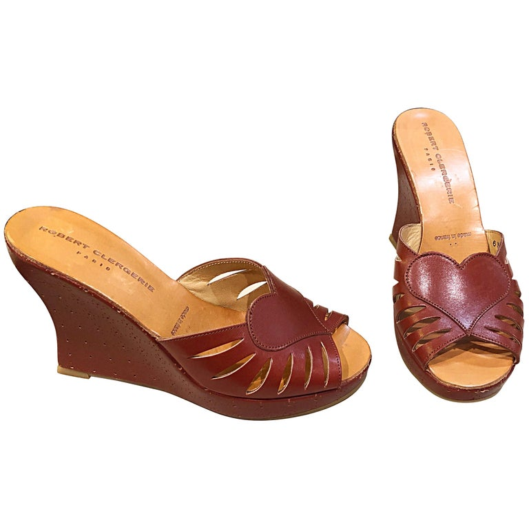 New Robert Clergerie Size 6.5 1990s Cordovan Red Brown Heart Slides Wedges Shoes For Sale