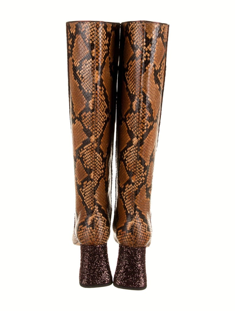 New Rochas Python Crystal Pascal Boots F/W 2018 Size 38 In New Condition For Sale In Leesburg, VA