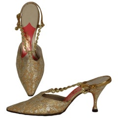 New Schiaparelli Gold Lace Jeweled Kitten Heel T-Strap Pumps – 6AA, 1960s