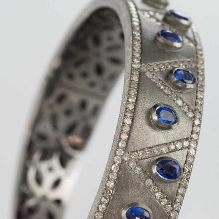 New Silver Diamond Kyanites Bangle Bracelet In New Condition For Sale In Poitiers, FR