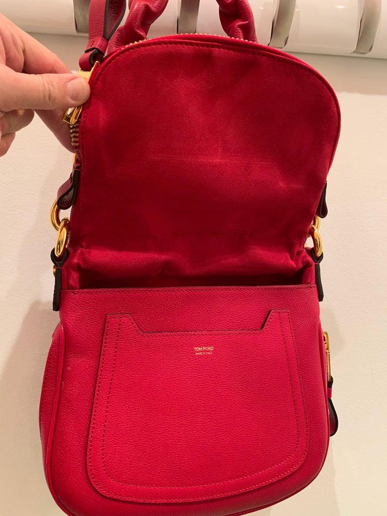 New Tom Ford Crimson Textured Leather Saddlebag-Style Shoulder Bag W/ Gold Chain For Sale 1
