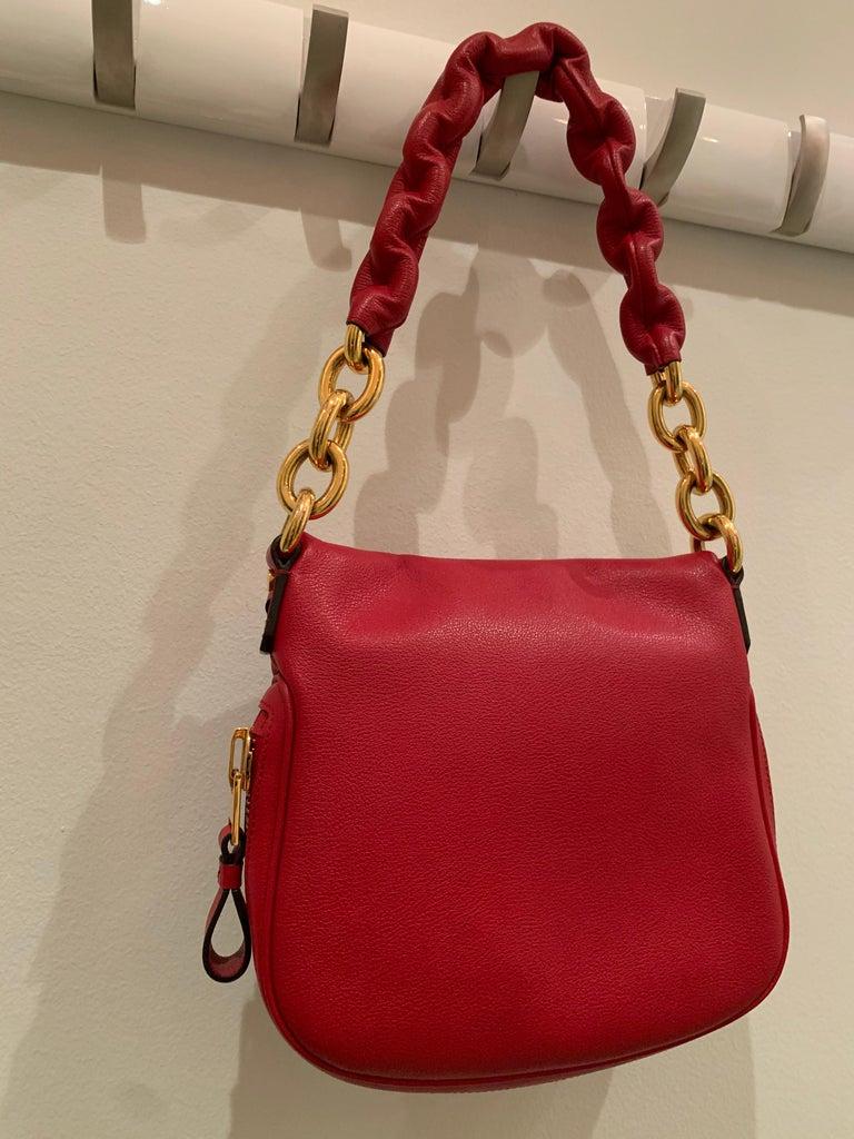 New Tom Ford Crimson Textured Leather Saddlebag-Style Shoulder Bag W/ Gold Chain For Sale 3