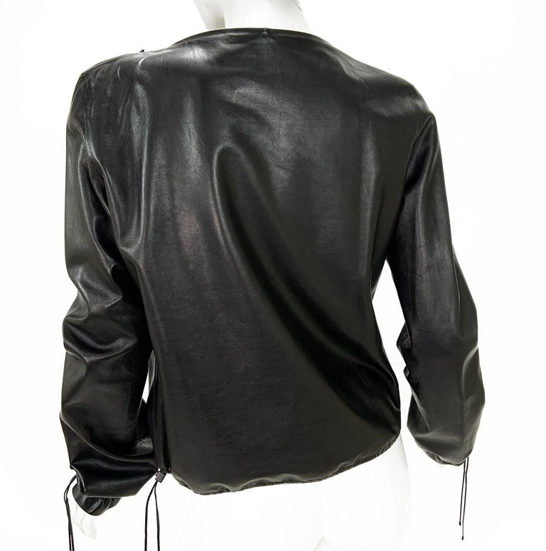 New Tom Ford for Gucci Black Leather Blouson Top Jacket Italian size 44 - US 8/10 ( please check measurements). F/W 2001 Collection 100% Soft Black Leather, Straight Silhouette,  Adjustable Drawstring at the Bottom and on the Sleeves, Two Front
