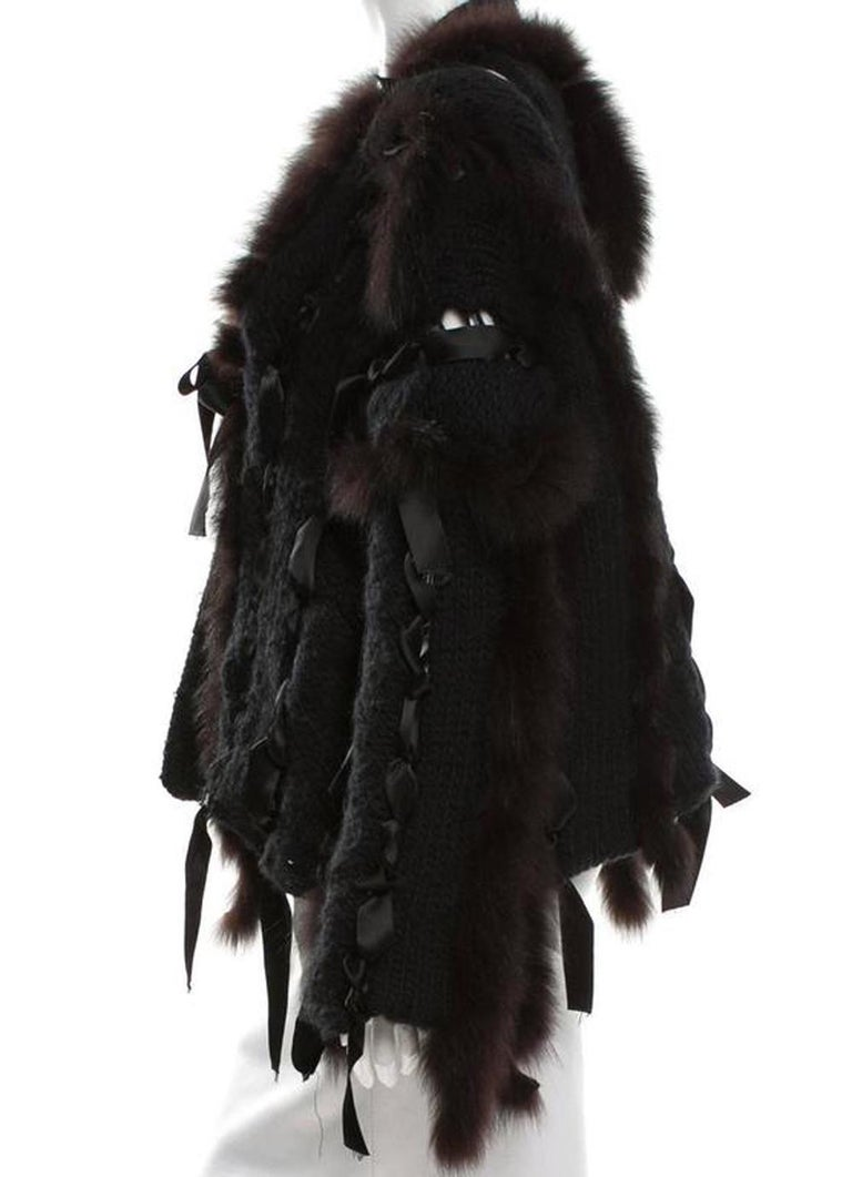 New TOM FORD for GUCCI Black Wool Sweater Cardigan w/Ribbons and Fox Fur size S For Sale 1