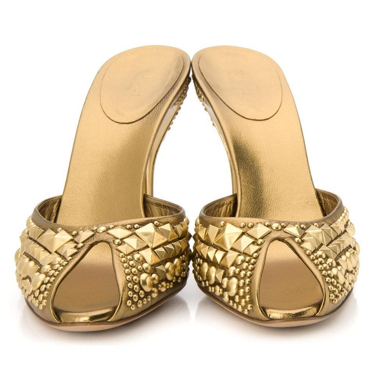 New Tom Ford for Gucci Studded Gold Bronze Runway Heels Shoes Mules 9 B In New Condition For Sale In Montgomery, TX