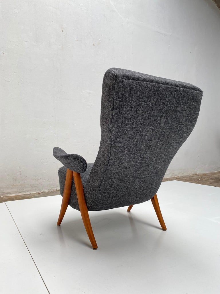 New Upholstery Theo Ruth Model 105 Lounge Chair, Artifort, 1957, the Netherlands For Sale 2