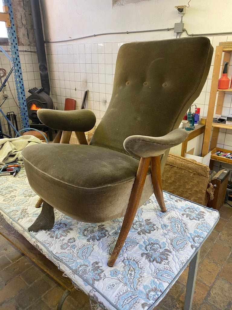 New Upholstery Theo Ruth Model 105 Lounge Chair, Artifort, 1957, the Netherlands For Sale 3