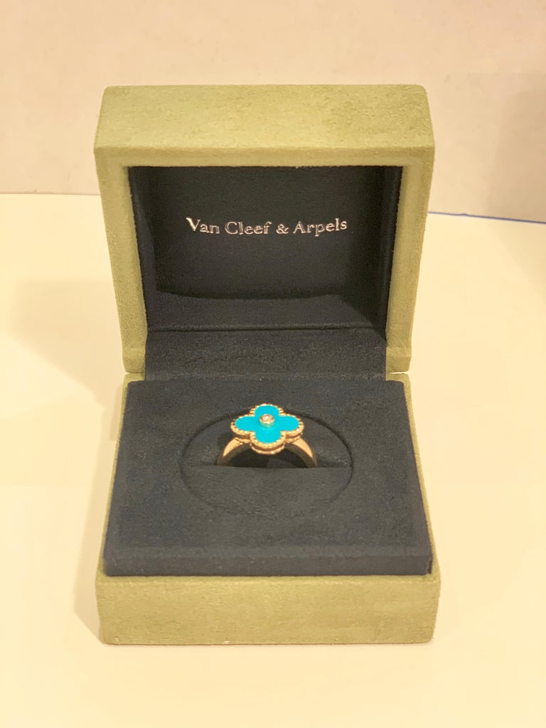 New Van Cleef & Arpels Vintage Alhambra Collection Diamond Turquoise Flower Ring In Excellent Condition For Sale In Tustin, CA