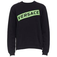 new VERSACE 2019 black cotton green box logo graphic crewneck pullover sweats L