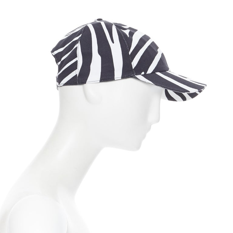 new VERSACE 2019 black white zebra srtipe cotton gold Medusa buckle cap hat 57 In New Condition For Sale In Hong Kong, NT