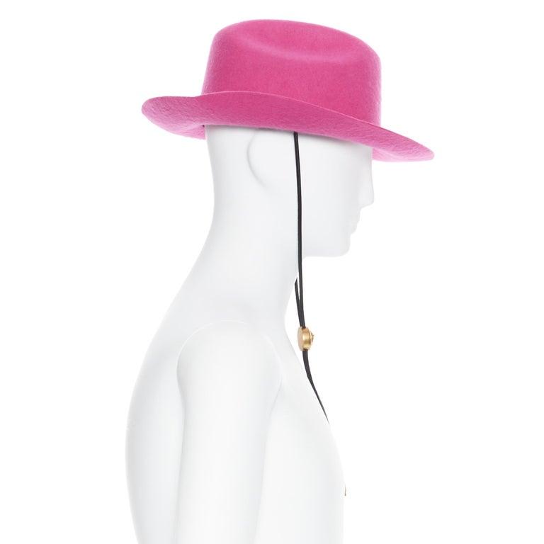 new VERSACE 2020 Runway Gianni GV Signature pink wool Medusa cowboy hat EU58 For Sale 2
