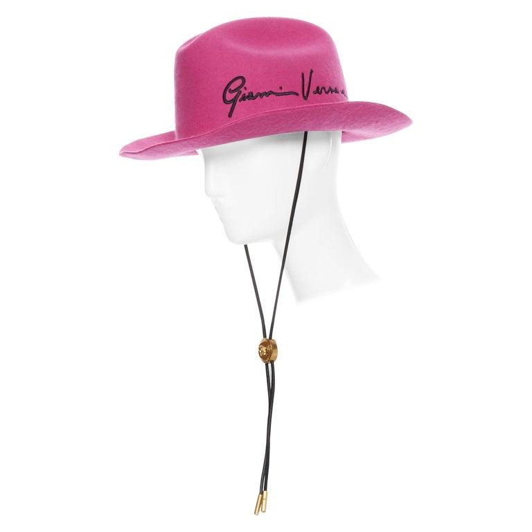 new VERSACE 2020 Runway Gianni GV Signature pink wool Medusa cowboy hat EU58 For Sale