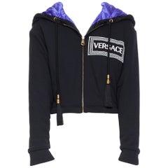 new VERSACE AW18 Runway black logo purple quilted lining zip cropped hoodie S