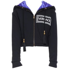 new VERSACE AW18 Runway black logo purple quilted lining zip cropped hoodie XS