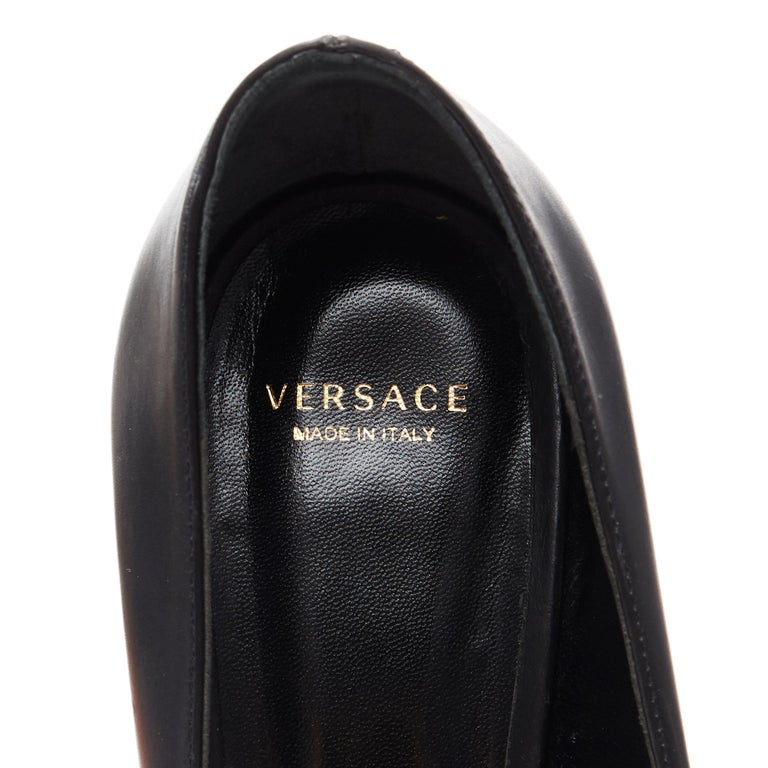 new VERSACE black calf leather gold Medusa metal heel pointy pigalle pump EU40 For Sale 5