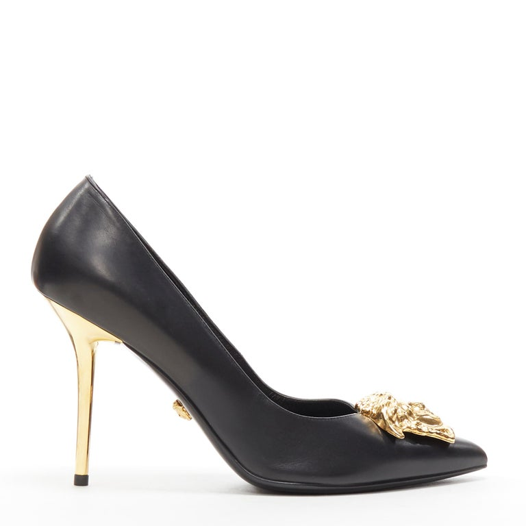 new VERSACE black calf leather gold Medusa metal heel pointy pigalle pump EU40 Brand: Versace Designer: Donatella Versace Model Name / Style: Medusa pump Material: Leather Color: Black Pattern: Solid Closure: Slip on Extra Detail: High (3-3.9 in)
