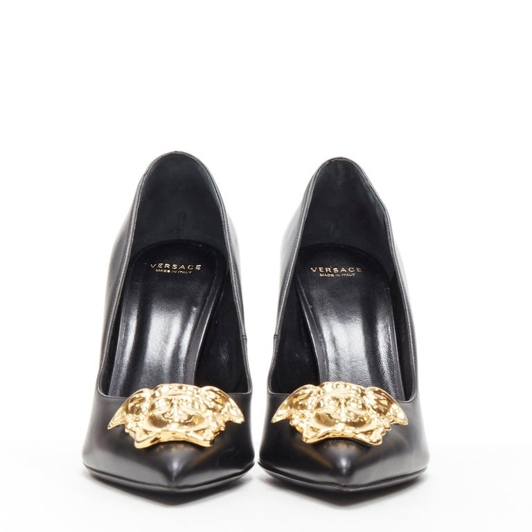 new VERSACE black calf leather gold Medusa metal heel pointy pigalle pump EU40 In New Condition For Sale In Hong Kong, NT