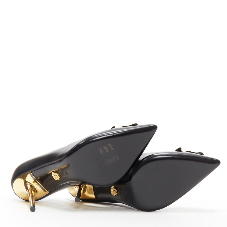 new VERSACE black calf leather gold Medusa metal heel pointy pigalle pump EU40 For Sale 2