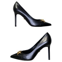 NEW VERSACE BLACK LEATHER PUMP SHOES with GOLD MEDUSA BUCKLE  39, 40