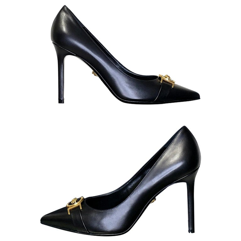 NEW VERSACE BLACK LEATHER PUMP SHOES with GOLD MEDUSA BUCKLE 38.5, 39, 40 For Sale