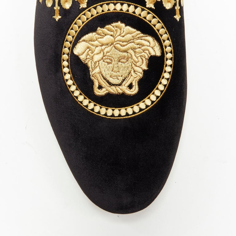 new VERSACE black vekvet Medusa baroque embroidery smoking slipper loafer EU42 For Sale 2