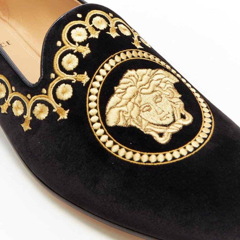 new VERSACE black vekvet Medusa baroque embroidery smoking slipper loafer EU42 For Sale 3