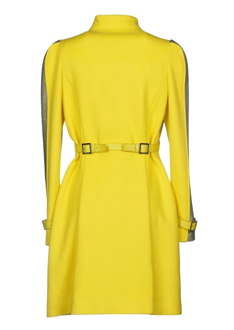 New Versace Chain Mesh Panel Yellow Wool Coat It. 38 - US 4 In New Condition For Sale In Montgomery, TX