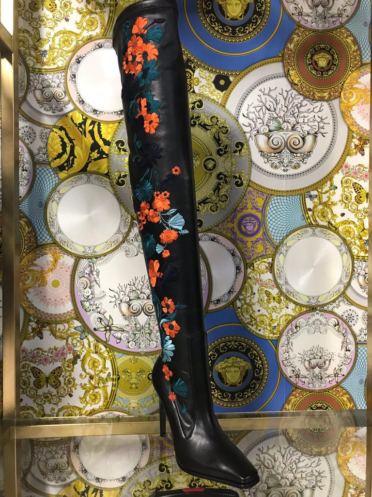 New VERSACE Embroidered Black Leather Thigh High Boots 37 - 36.5 In New Condition For Sale In Montgomery, TX