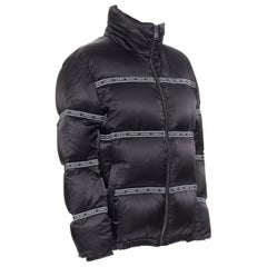 new VERSACE Nastro Stampa black logo ribbon goose down padded jacket IT46 S