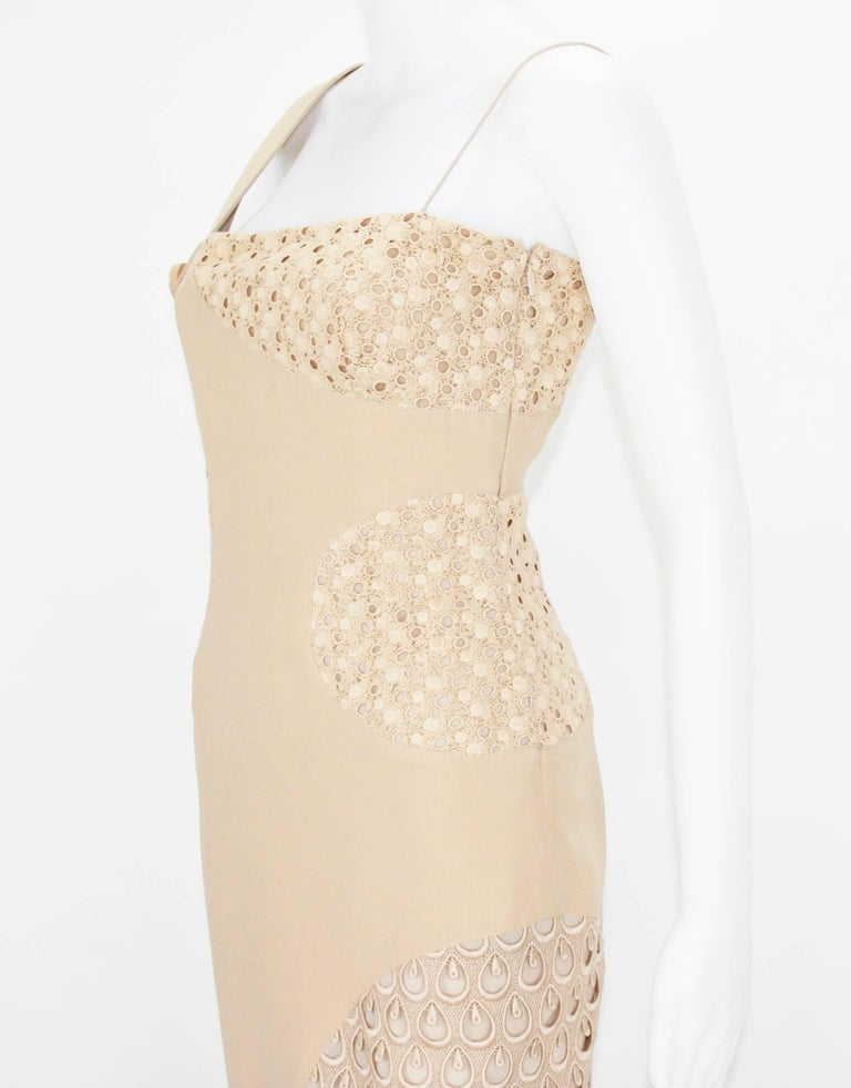 New Versace Nude Crocheted Cotton and Silk-Cady One-Shoulder Dress 40 For Sale 2
