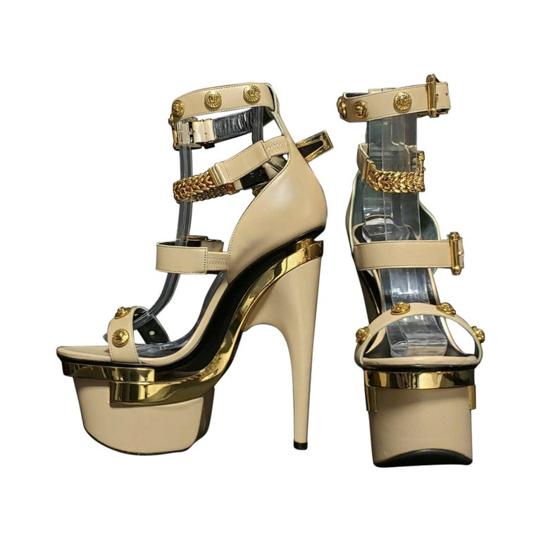 NEW VERSACE NUDE LEATHER TRIPLE PLATFORM SANDALS Size 38 For Sale