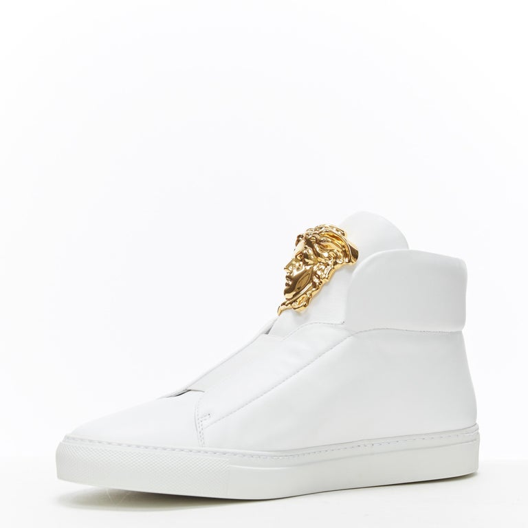 new VERSACE Palazzo gold Medusa white calfskin leather high top sneaker EU40 In New Condition For Sale In Hong Kong, NT