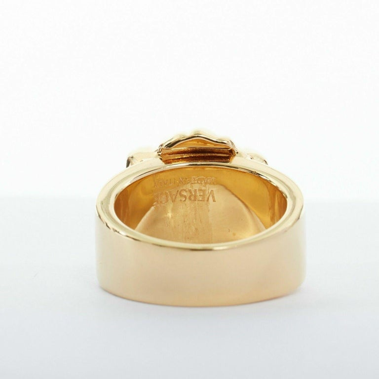 new VERSACE Palazzo Medusa head gold plated signature simple band ring 9 For Sale 1