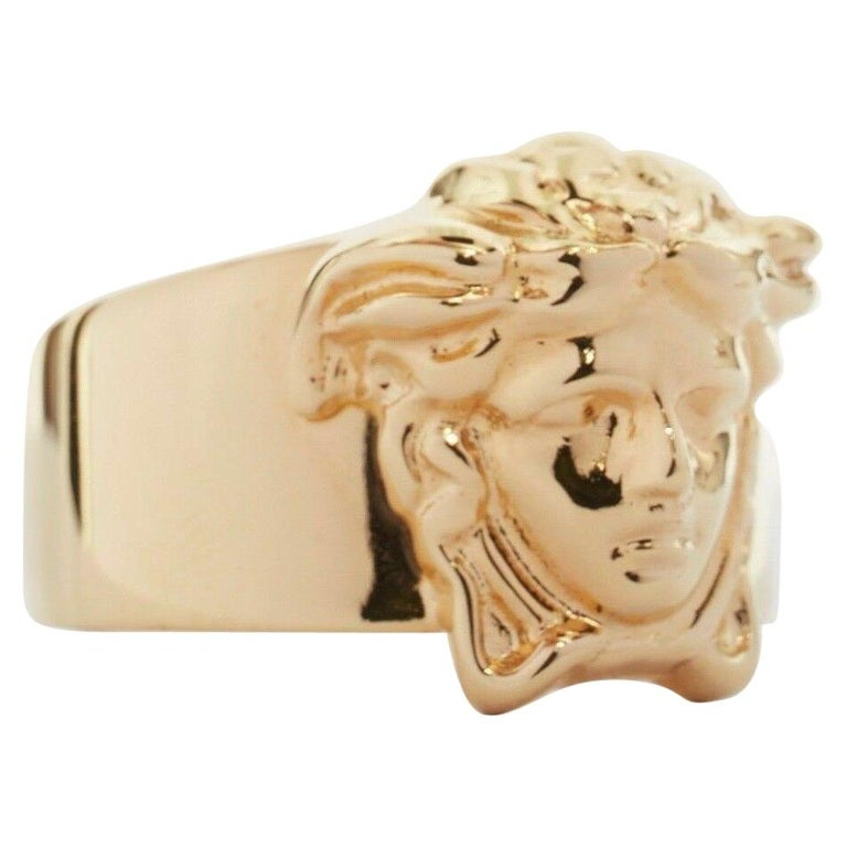 new VERSACE Palazzo Medusa head gold plated signature simple band ring 9 For Sale