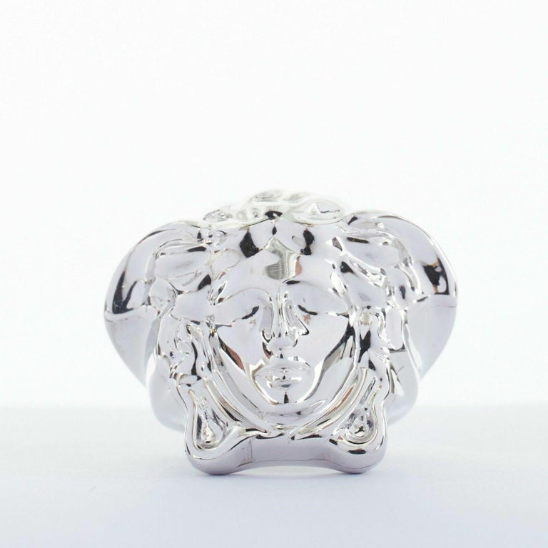 new VERSACE Palazzo Medusa head silver plated brass large statement ring 8.5 In Good Condition For Sale In Hong Kong, NT
