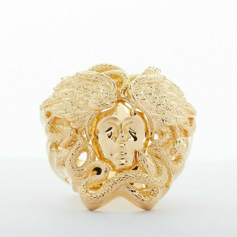 new VERSACE Palazzo Medusa snake head gold plated large statement ring 8.25 In Good Condition For Sale In Hong Kong, NT