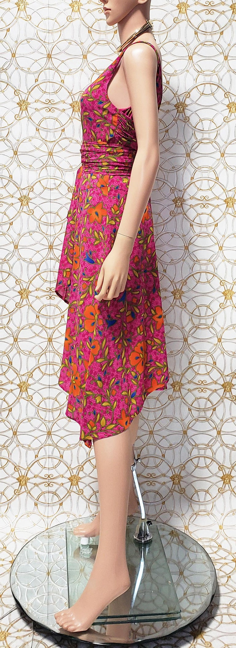 Pink NEW VERSACE PINK FLORAL PRINT SILK Dress 44 - 10 For Sale
