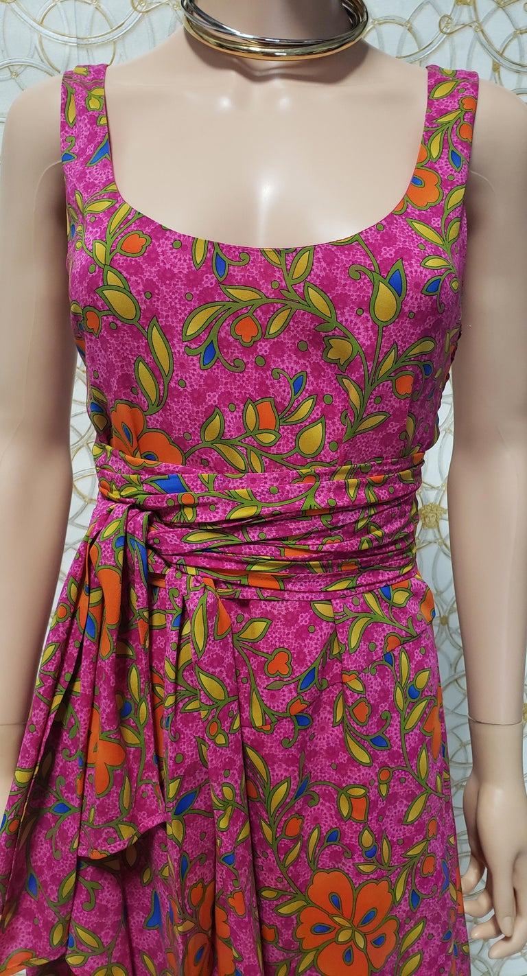 NEW VERSACE PINK FLORAL PRINT SILK Dress 44 - 10 For Sale 4