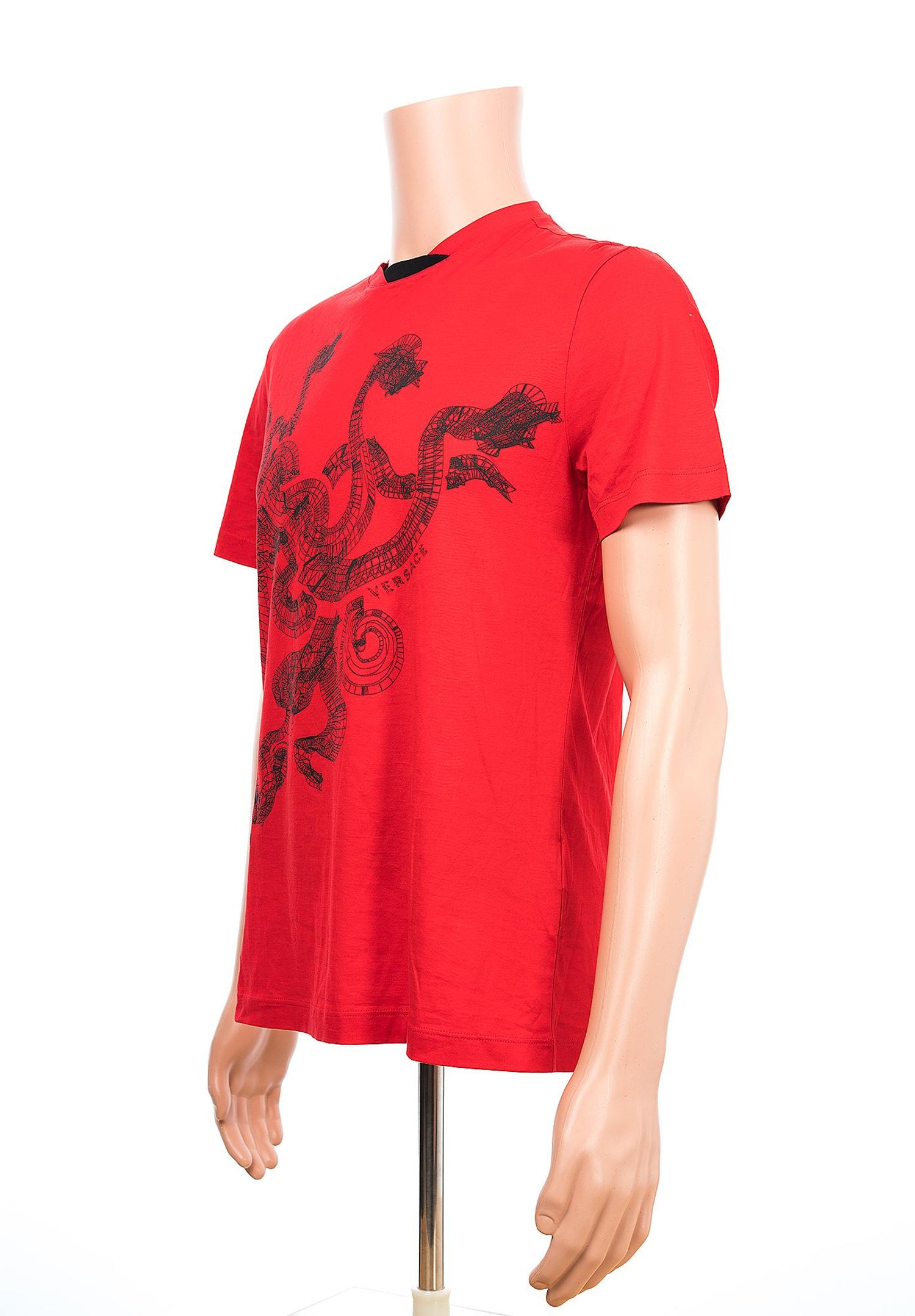 40bc29f9 New VERSACE Red T-Shirt with Three-Headed Dragon for Men For Sale at 1stdibs