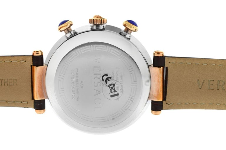 New Versace Reve Steel Gold Tone XL Quartz Chrono Date Watch In Excellent Condition For Sale In New York, NY