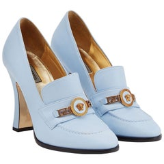 New Versace Runway S/S 2018 Baby Blue Lamb Leather Medusa Pumps Shoes 38 + 37.5