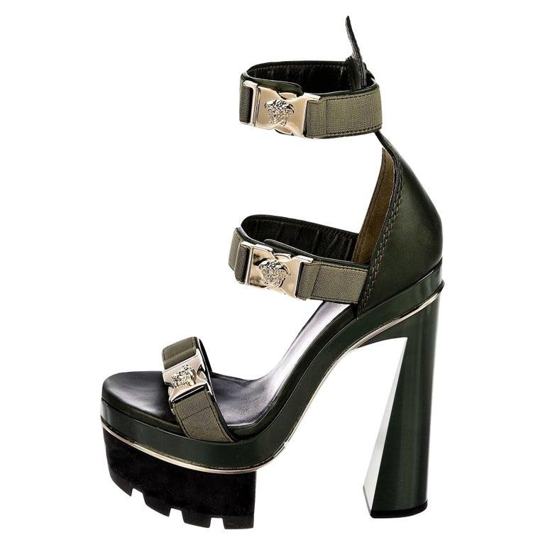 New Versace S/S 2016 Gigi Hadid  Medusa Runway Ad Heels Platform Pumps Sz 36.5 For Sale