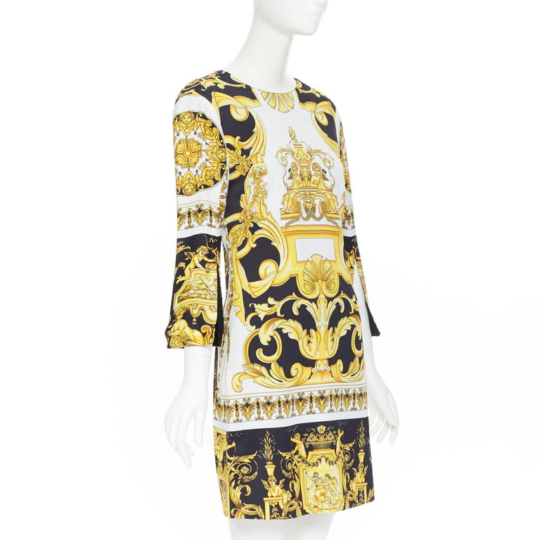 new VERSACE Signature Baroque Cherub Medusa printed viscose shift dress IT38 XS In New Condition For Sale In Hong Kong, NT