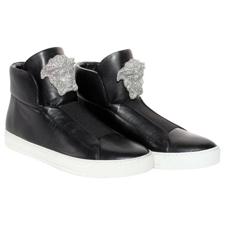 New Versace SoHo Exclusive Crystal Embellished Black Leather Sneakers Size 41 For Sale
