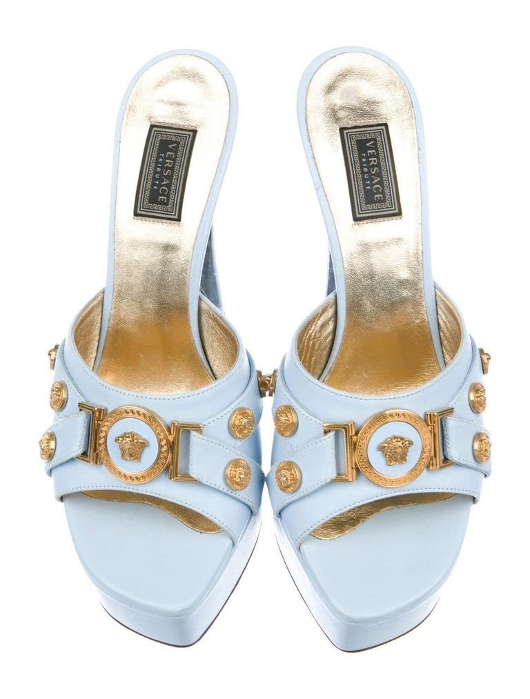 New Versace Tribute Baby Blue Leather Mules Shoes as seen on Lady Gaga 37.5  In New Condition For Sale In Montgomery, TX