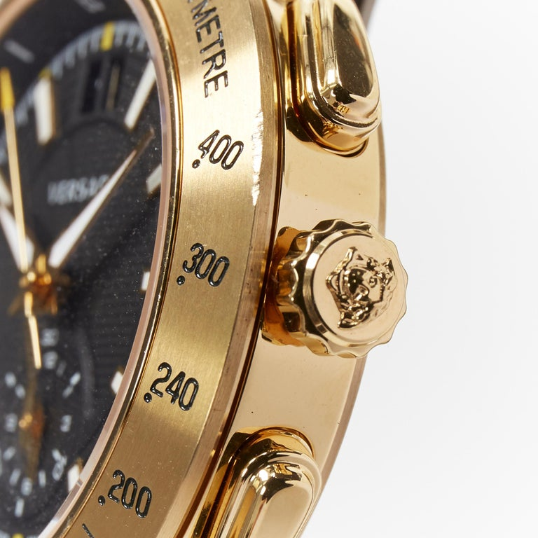 new VERSACE V-Race Sport Gold gold stainless steel quartz analog men's watch In New Condition For Sale In Hong Kong, NT